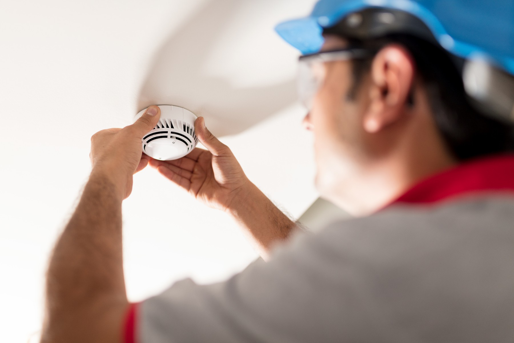 Smoke alarms – your messenger for household safety says Ballart electrician